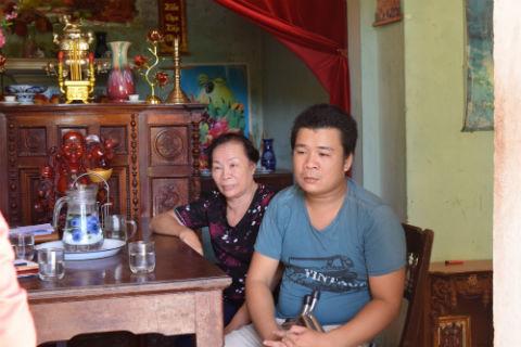 Mrs. Nguyen Dieu Hong & son Nguyen Thanh Hung