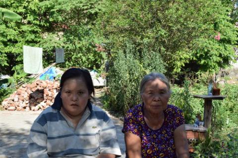 Mrs. Nguyen Thi Chu & daughter Loan