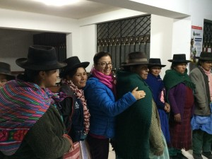 Gisela with the women of Sacsamarca