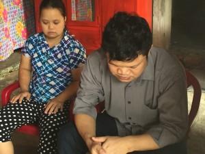 Mrs. An's children, Hoa and Huong.