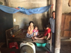 Ngo Gia Hue with his daughters Huong, Nhan and Tuan.